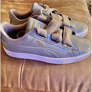 Puma  ❤️ Patent Gray Lace Up Sneakers ❤️V-Day Sale